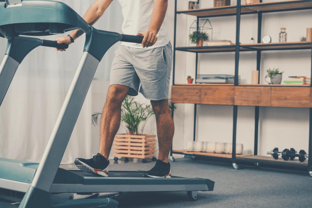 man on the best manual treadmill